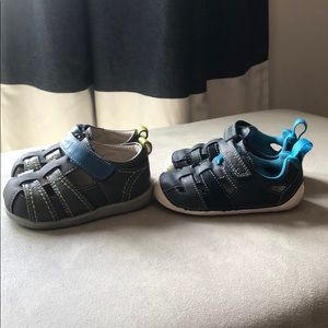 2 pair kids shoes - Clarks and see kai run